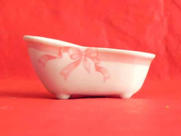 Banheirinha de porcelana